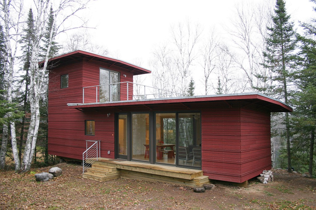 McGlasson-weeHouse-boasts-rooftop-deck-gorgeous-forest-views