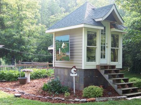 flickr-tiny-house-1-450x337