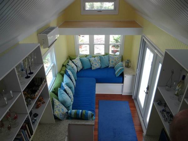 little-beach-cottage-on-wheels-by-signatour-tiny-houses-0010
