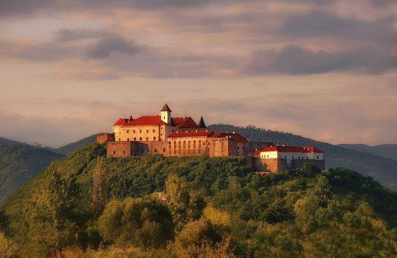 Замок Паланок у Мукачево