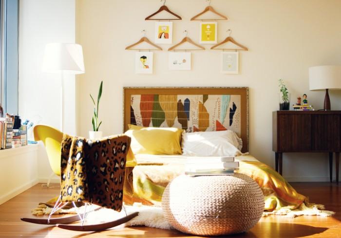 Coat-hangers-wall-art-Quirky-Ideas-700x489