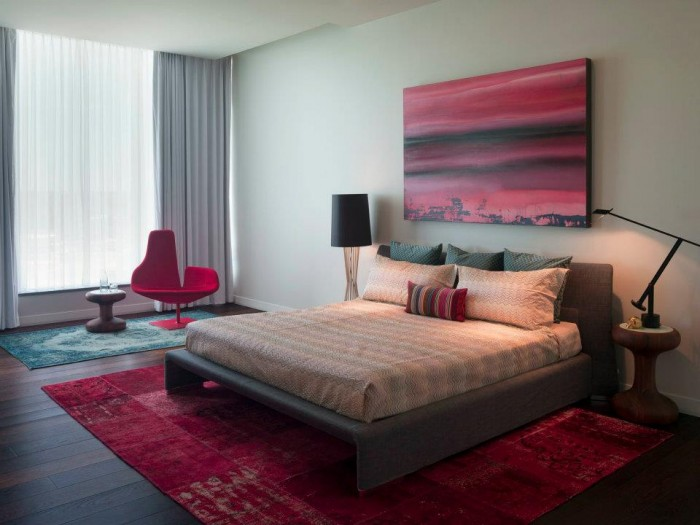 Crimson-hued-bedroom-modern-artistic-featurewall-painting-700x525