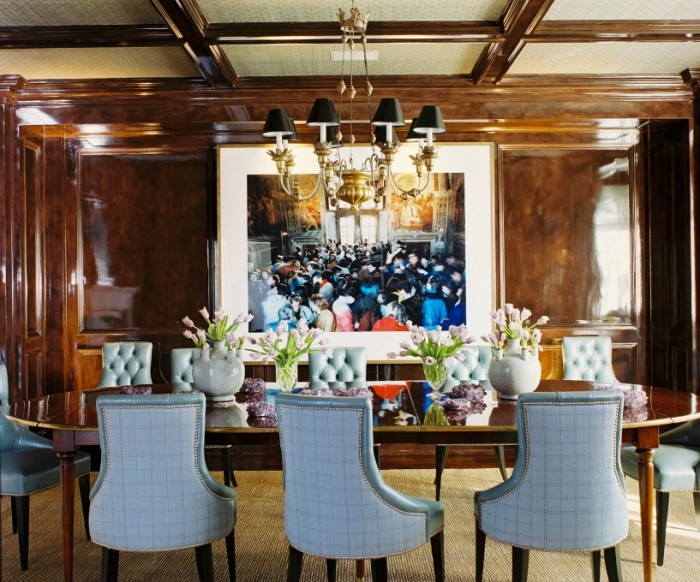 Roger-Davies-Photography-High-Gloss-Wooden-Dining-Crowded-Rooom-Painting-700x582