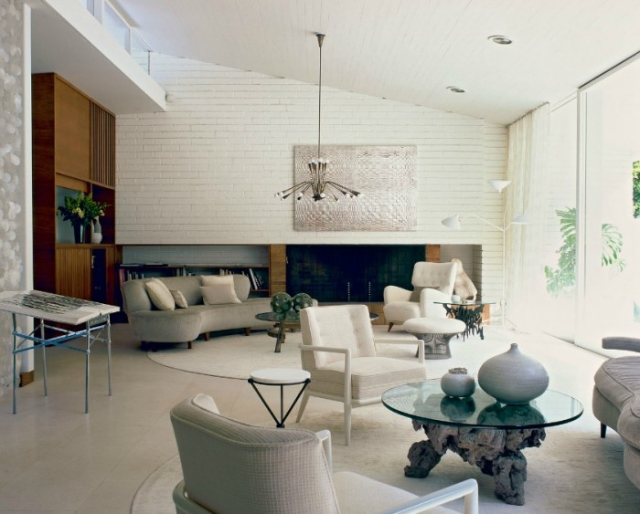 Roger-Davies-Photography-White-Brick-Textural-painting-modern-white-living-high-ceilings-700x563