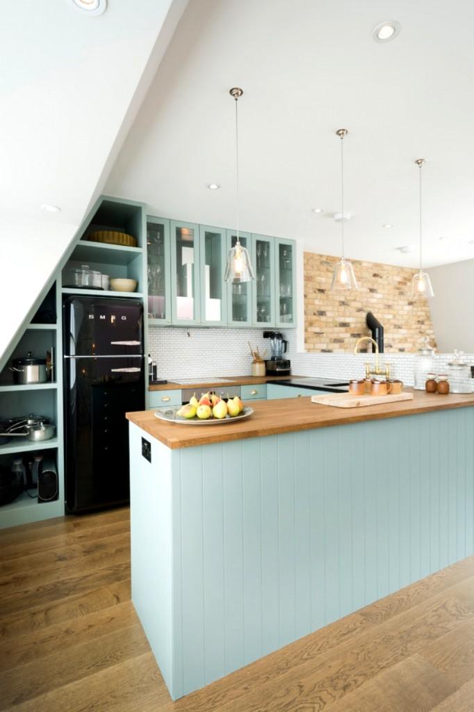 black-fridge-black-smeg-bespoke-small-kitchen-design-43304-11-682x1024
