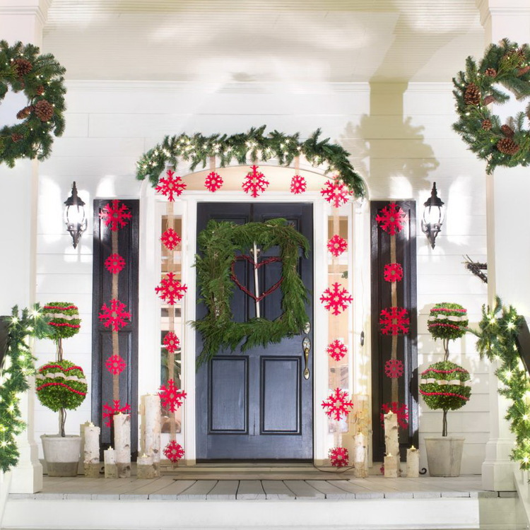 8 Outdoor Holiday Lighting Ideas That Dazzle