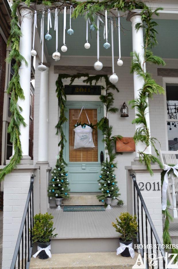 Christmas-Porch-Decorating_11