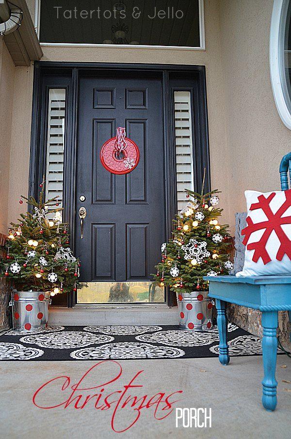 Christmas-Porch-Decorating_26