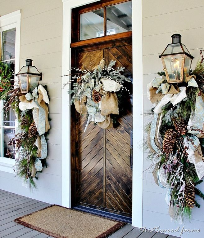 Christmas-Porch-Decorating_41