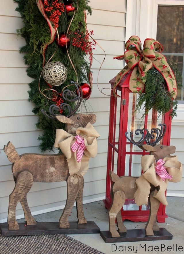 Christmas-Porch-Decorating_54