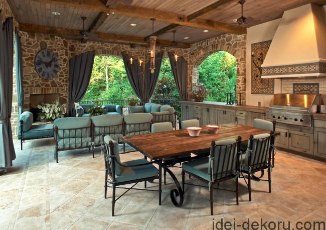 traditional-patio-650x458