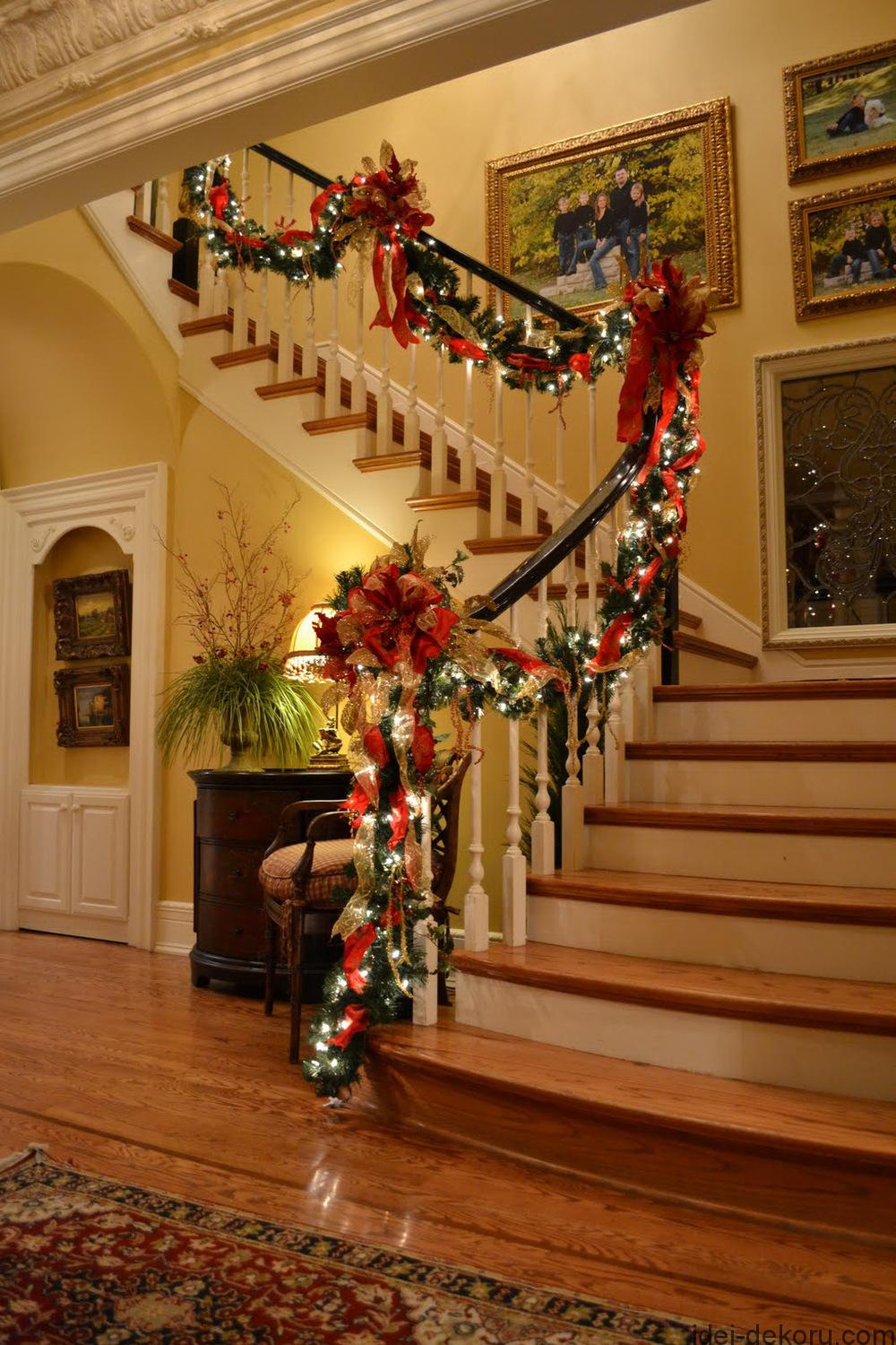 50 Stunning Christmas Staircase Decorating Ideas - Style Estate