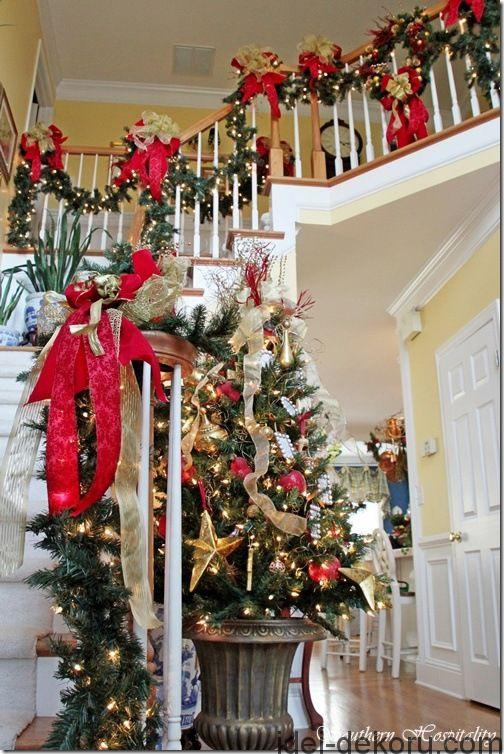 A Southern Christmas ~ Seasonal Stairs