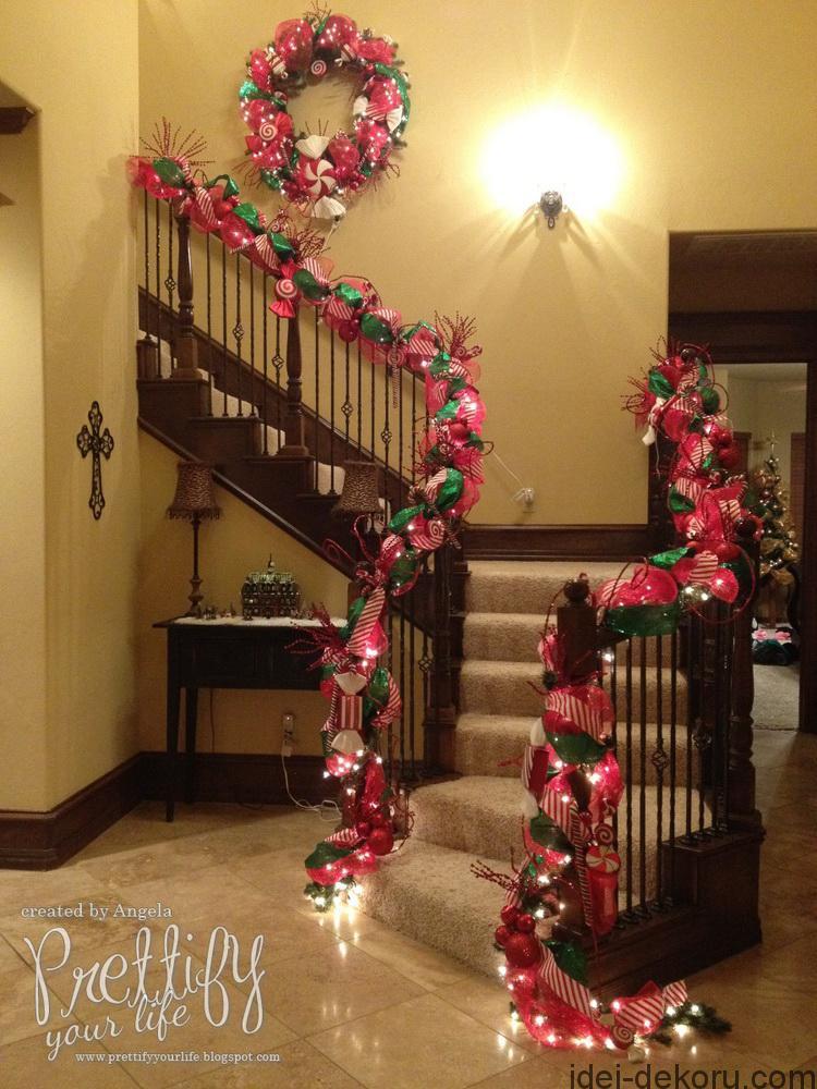 Christmas Staircase Via Prettify Your Life