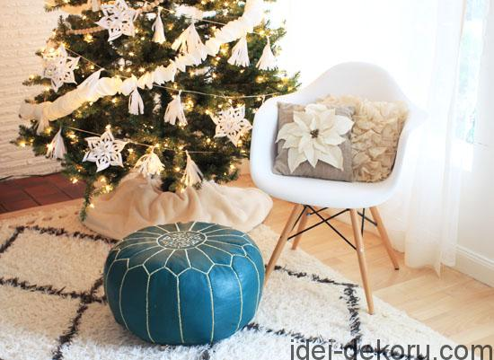 white-christmas-tree