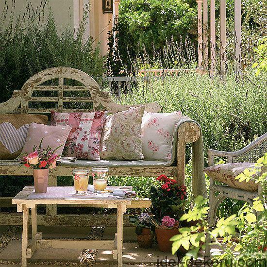 beds-in-garden-14