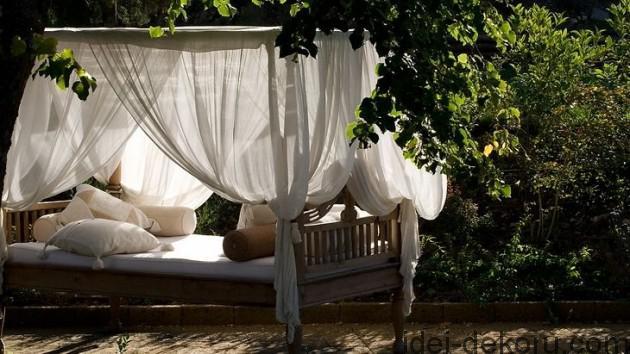 beds-in-garden-44