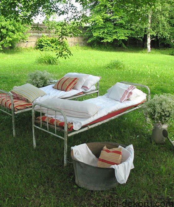 beds-in-garden-46