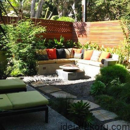 8-ideas-to-decorate-small-yard-5