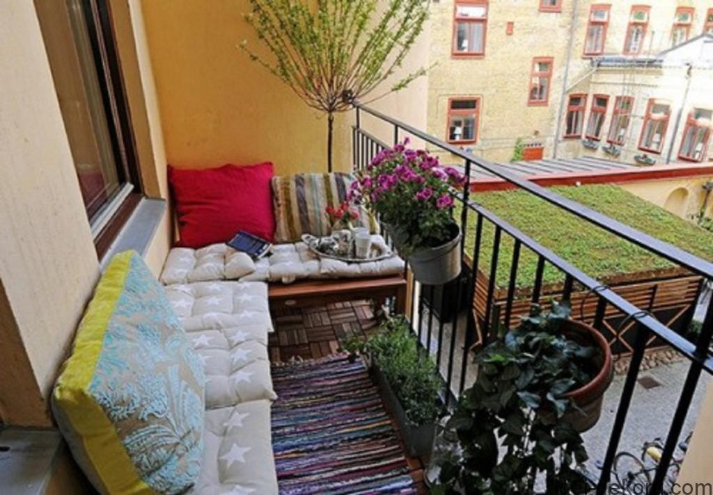 Balcony-Garden-Furniture-For-Small-Space-1024x712