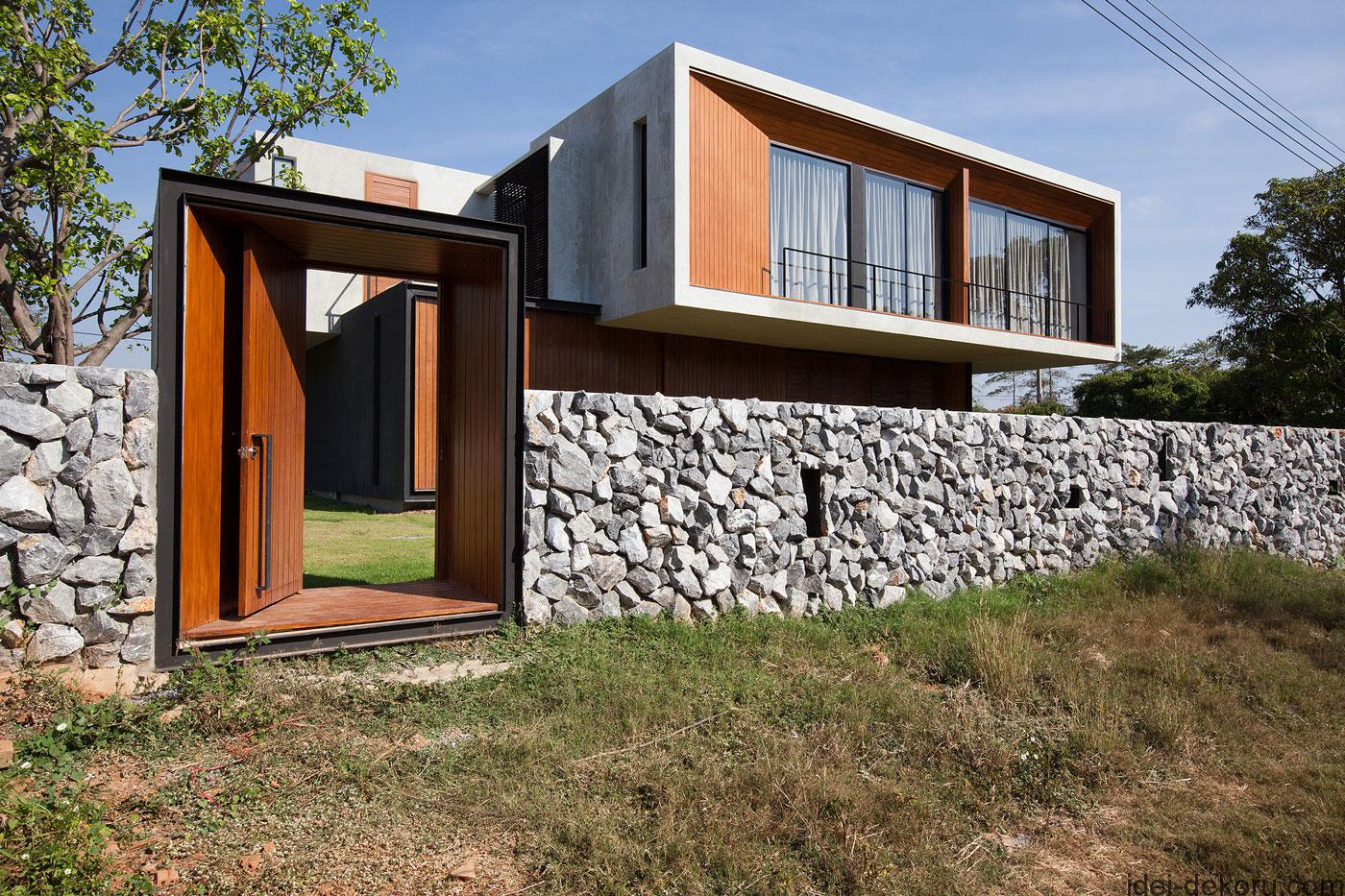 stone-home-fence-designs-mixed-with-wooden-gate-cheap-modern-house-gates-and-fences-designs