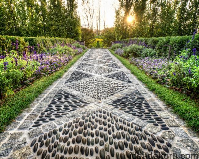 Mozaika-ruchnoj-raboty_53-650x520