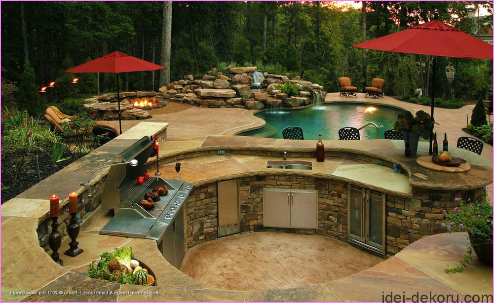 backyard-designs-with-pool-and-outdoor-kitchen