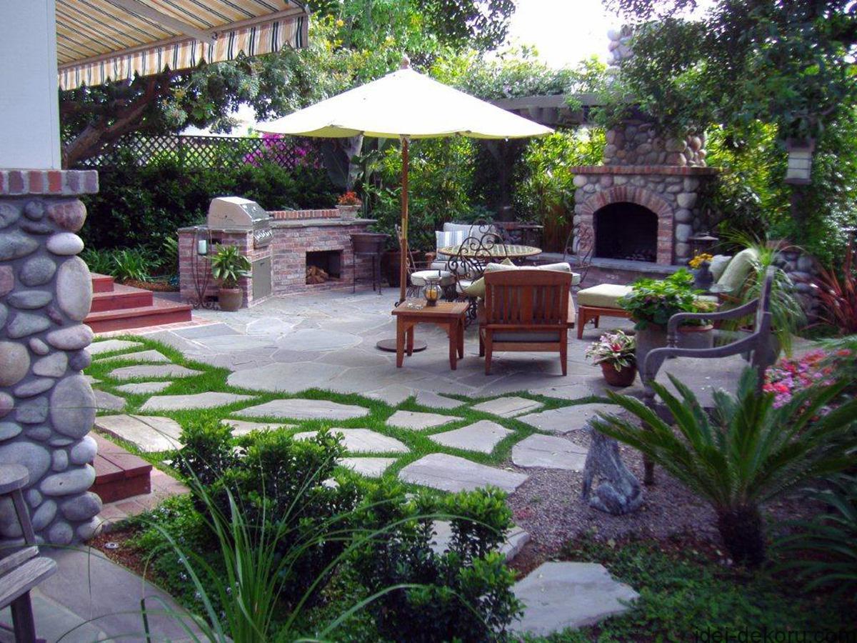 patio-bbq-plants