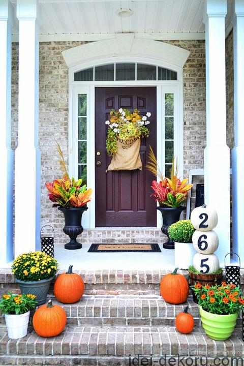 13-southern-fall-front-porch