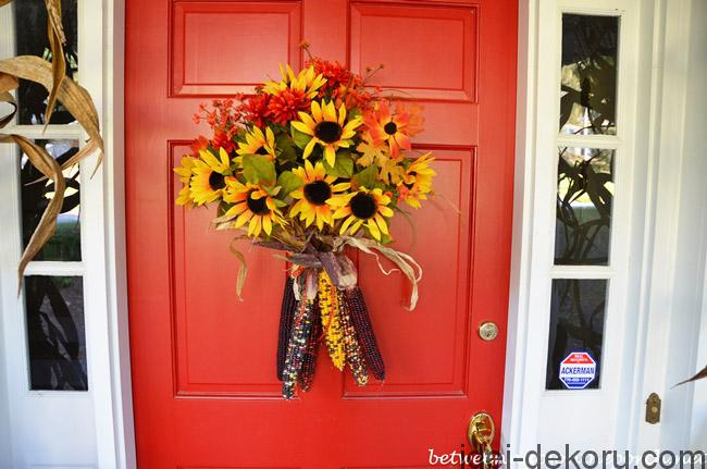 front-door-decorated-with-indian-corn-and-sunflowers-forr-autumn_wm