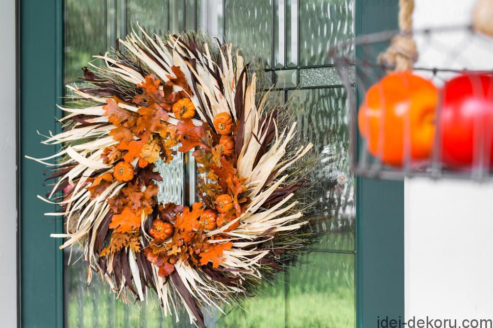 original-bpf_one-thing_harvest-wreath_harvest-warmth-jpg-rend-hgtvcom-966-644
