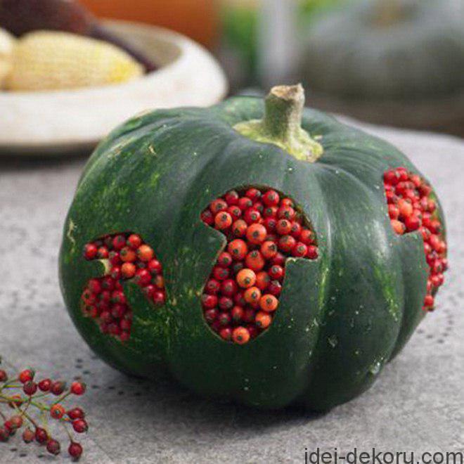 fall-decorating-ideas-diy-pumpkin-mushroom-cookie-cutter-rosehips