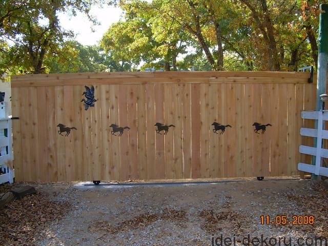 farmhouse-home-fencing-and-gates