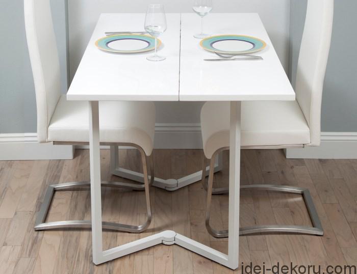 malenkij-raskladnoj-stol-na-kuhnyu