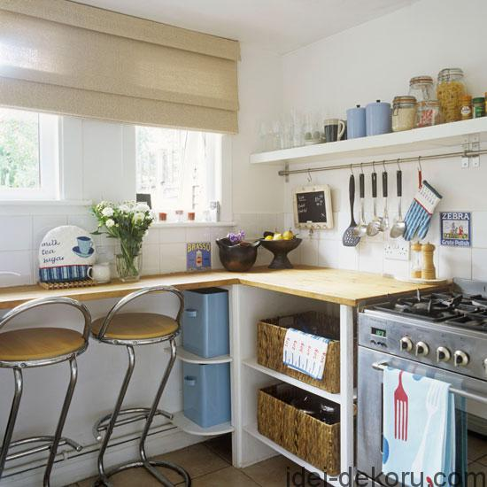 small-kitchen-decorating-ideas-country-design