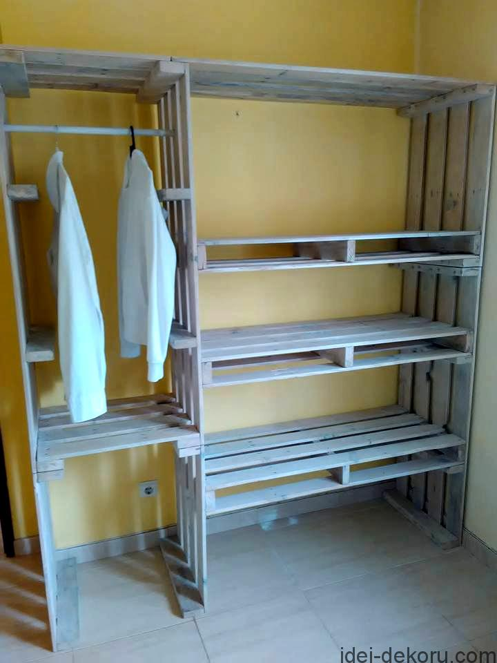 upcycled-pallet-closet