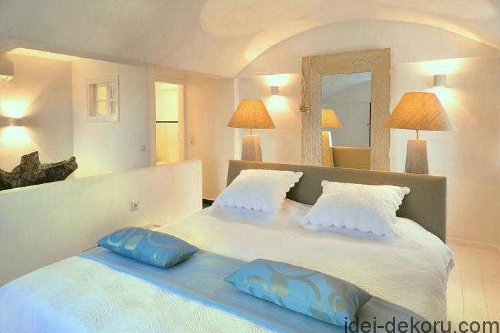 aqua-luxury-suites-santorini-pufihomes-32