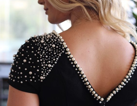 customizando-blusinha-perolas-diy-moda