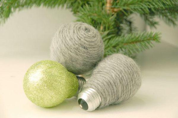 24-christmas-ornaments-light-bulbs