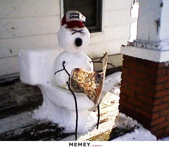 funny-snowman-toilet