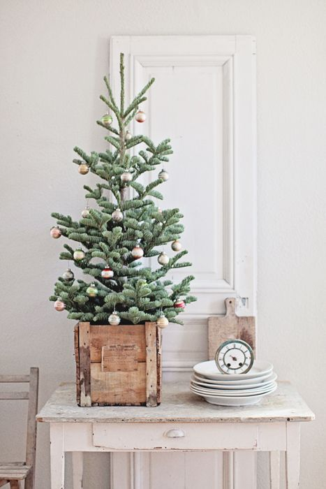 16-tiny-christmas-tree-with-small-colorful-ornaments