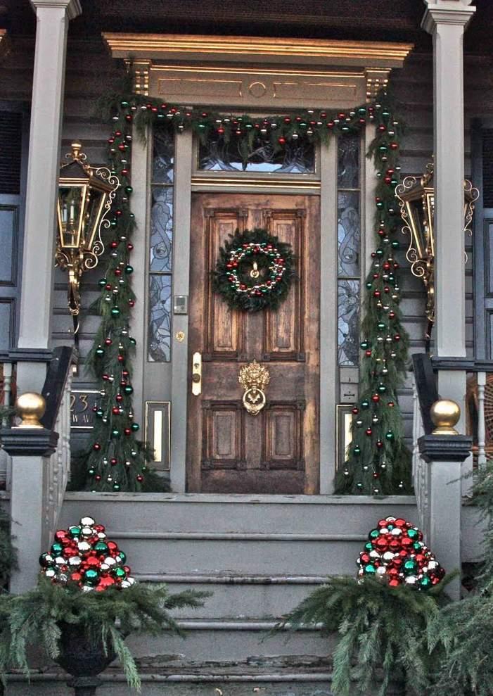 christmas-porch-decorating_28