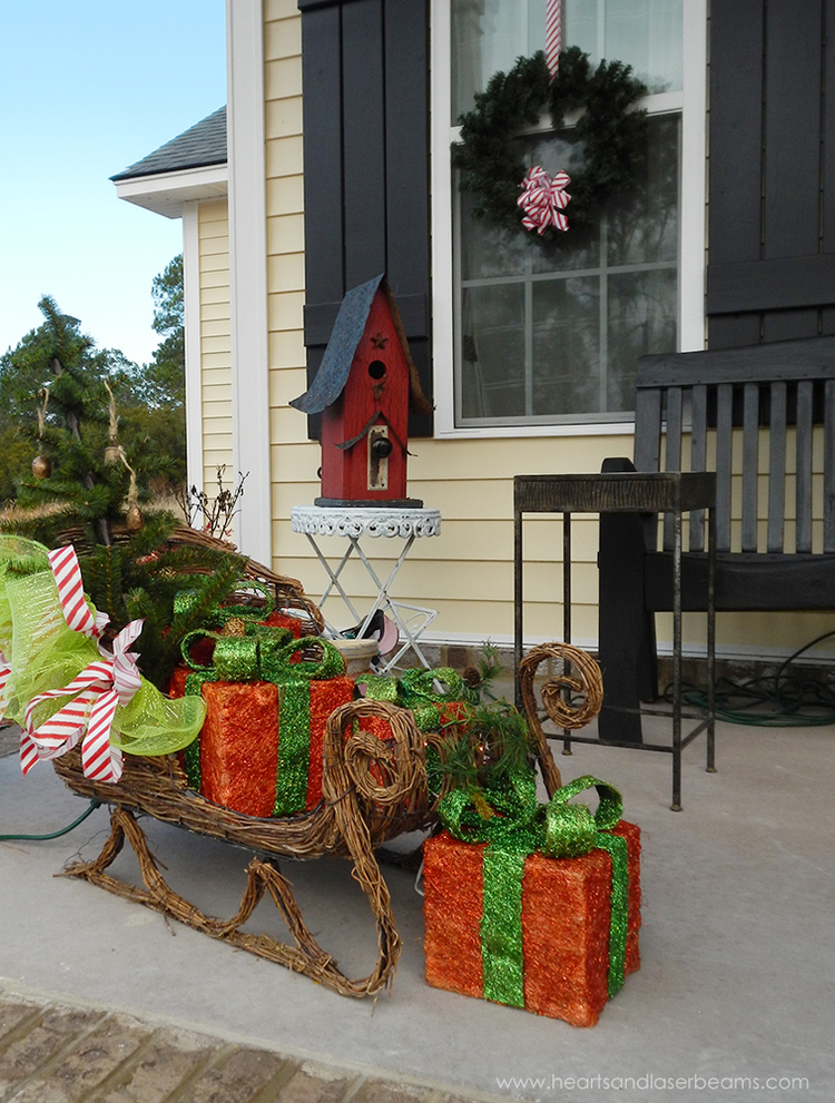 Front Porch - Christmas Sleigh - A Christmas Carole - Beautiful Christmas Decorations from the Heart - Hearts and Laserbeams | http://heartsandlaserbeams.com