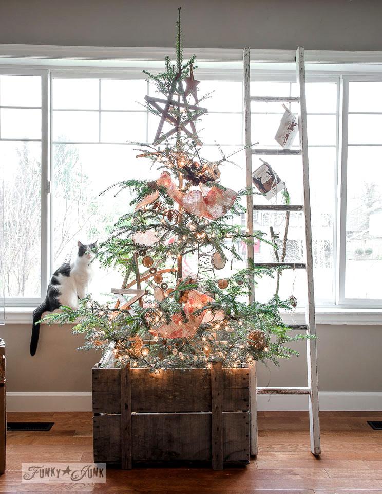christmas-mantel-and-livingroom-78661
