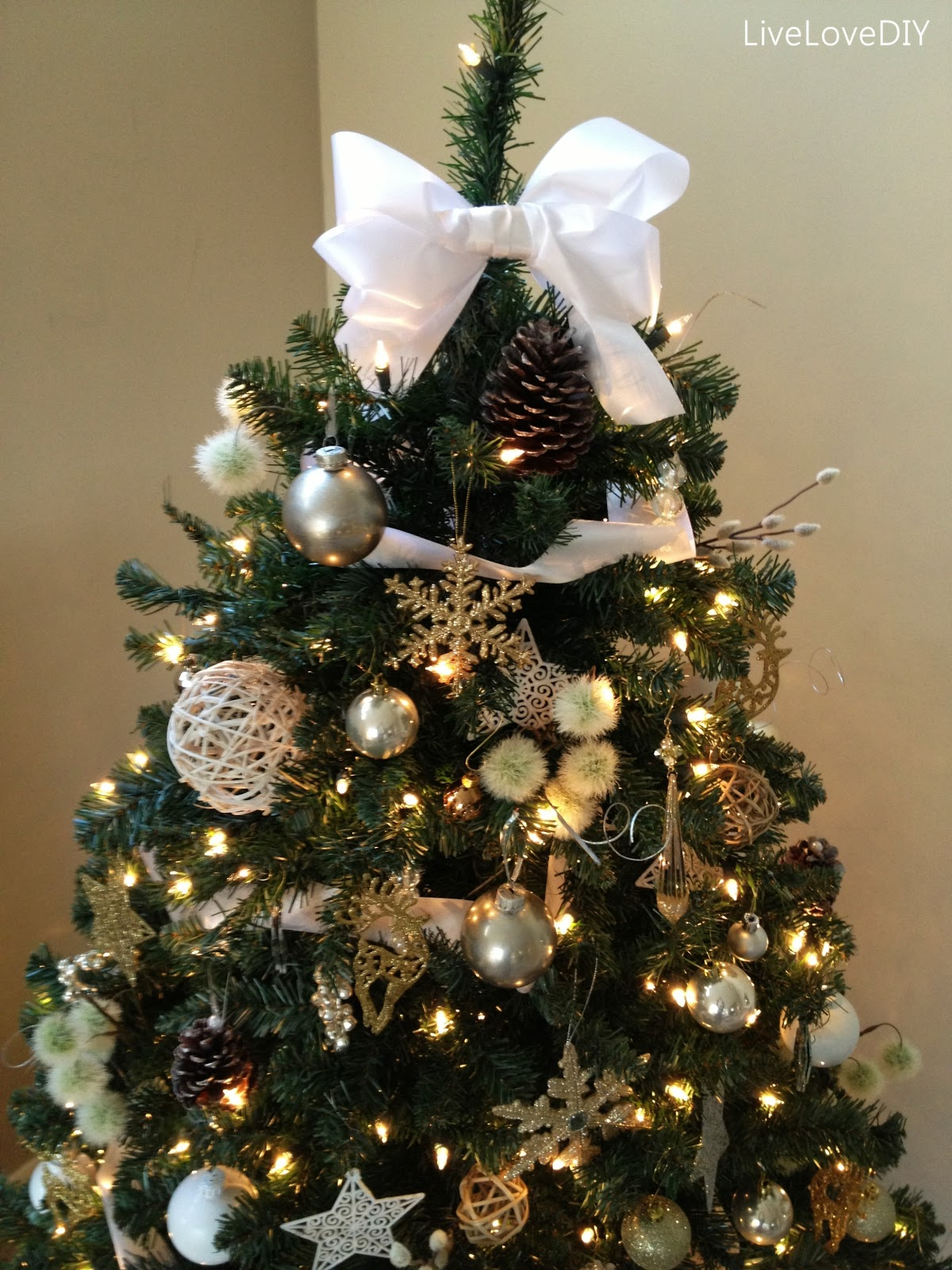 bow-tree-topper-1