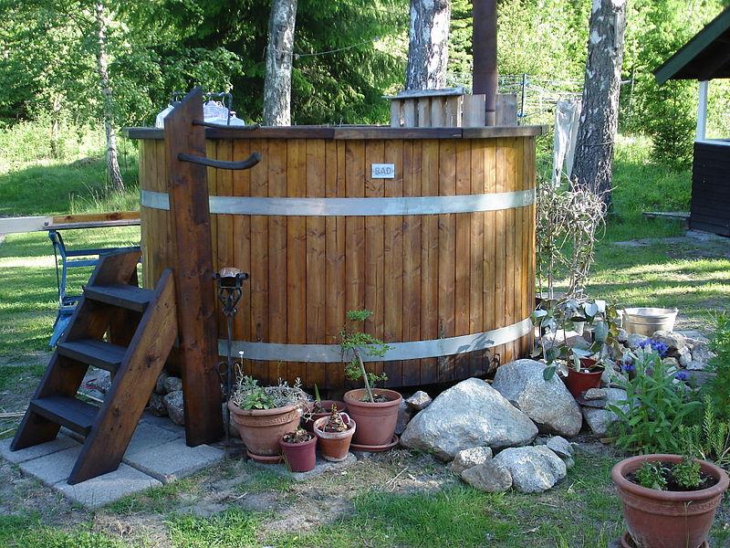 pool_hot-tub