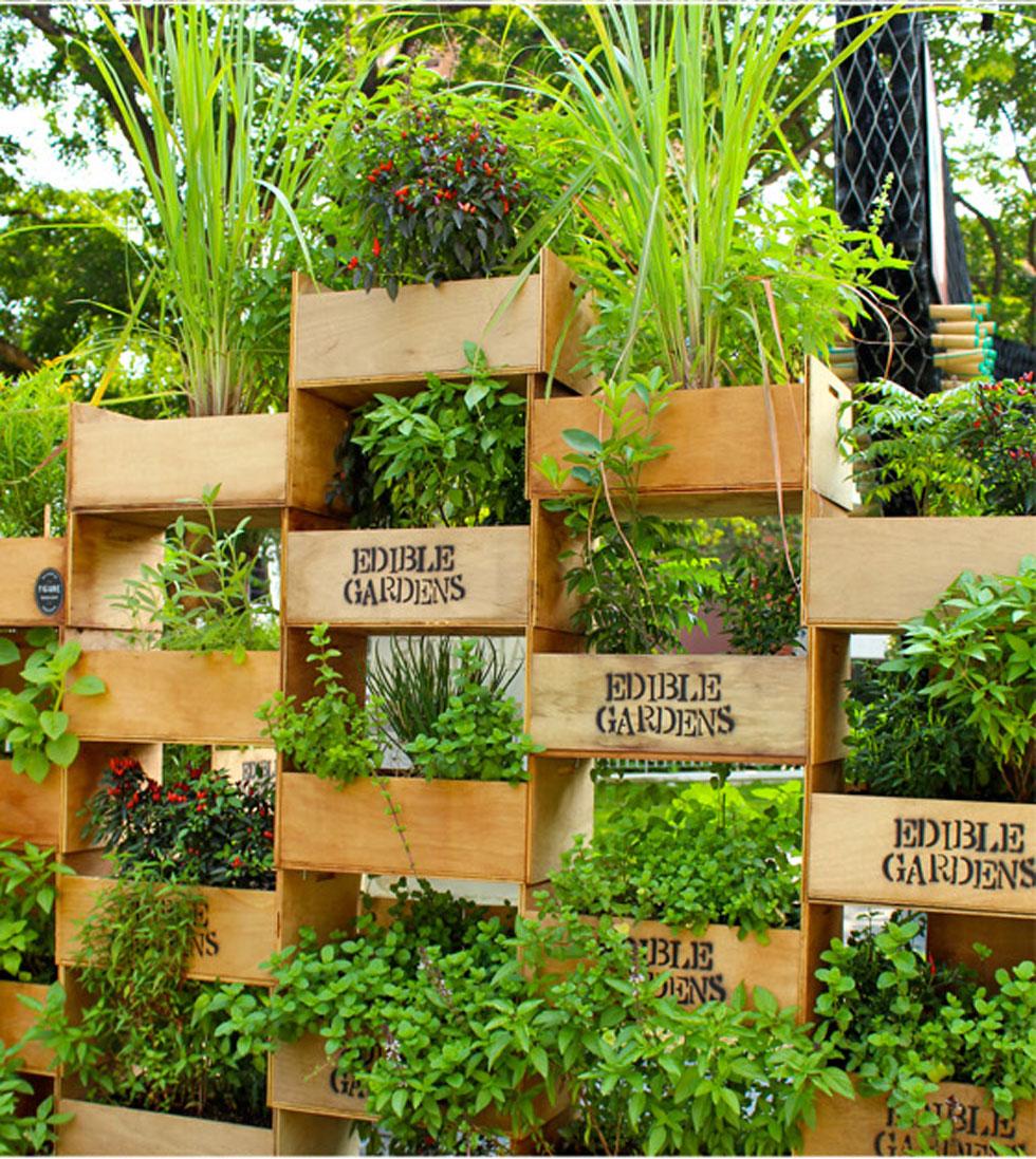 23-stack-crates-for-a-tiered-edible-garden-vertical-garden-homebnc