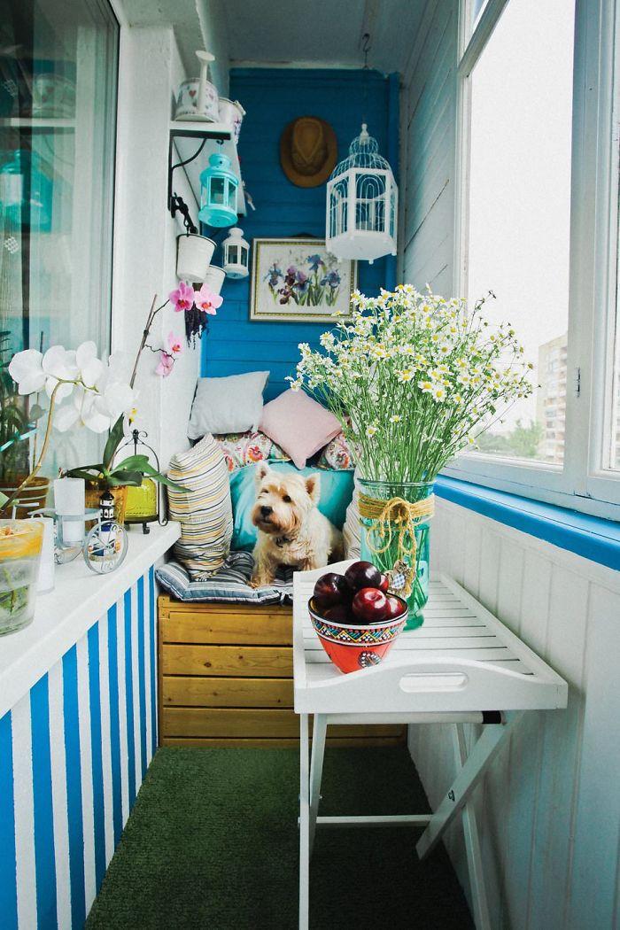 AD-Cozy-Balcony-Decorating-Ideas-13