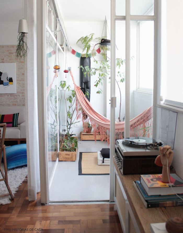 AD-Cozy-Balcony-Decorating-Ideas-18