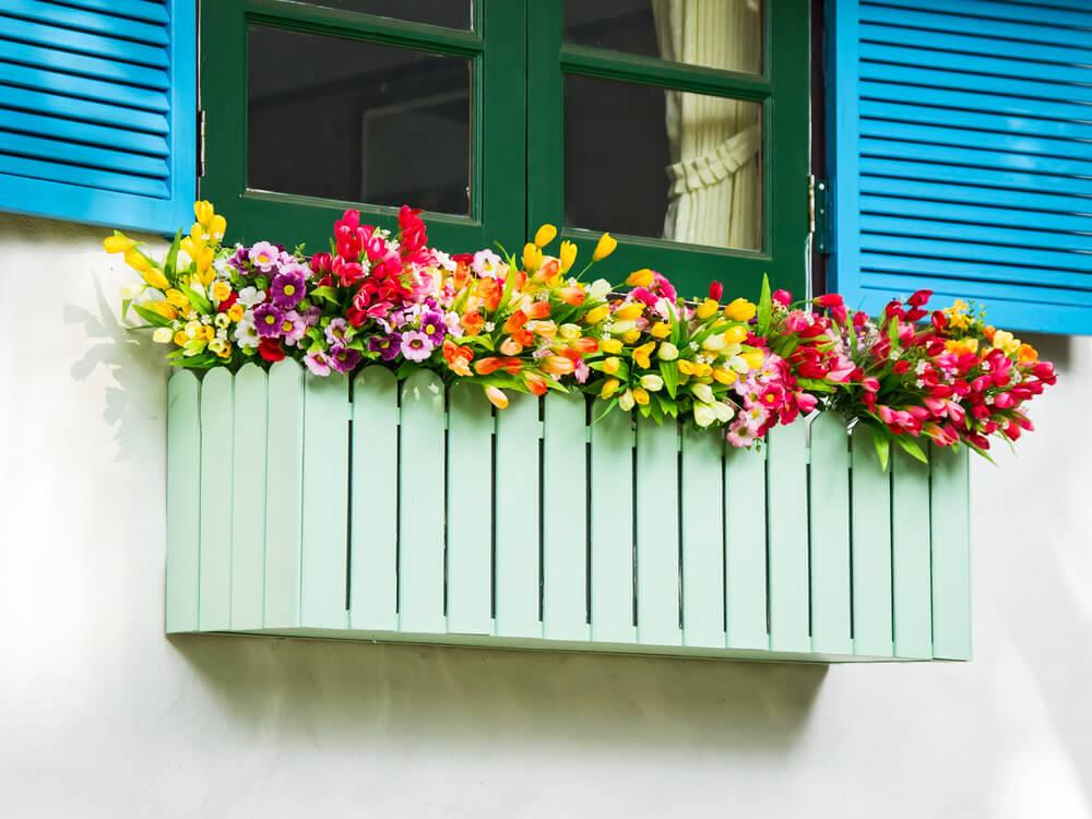 33window-flower-box